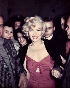 A service to colorize grayscale images using deep-learning. Marilyn Monroe Smoking, Young Marilyn Monroe, Grayscale Image, Harold Lloyd, Milton Greene, Sammy Davis Jr, Norma Jeane, Iconic Women, New York Street