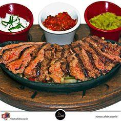 """En güzel mutfak paylaşımları için kanalımıza abone olunuz. http://www.kadinika.com Herkese iyi bir hafta diliyoruz  """"El Mirador Fajita"""" Etin en lezzetli hali  #7cadde #ankara #cafe #brasserie #instamood #picoftheday #photo #bestoftheday #instadaily #happy #dinner #insta_ankara #ankarastyles #beerstagram #instabeer #repost #lunch #monday #dünyamutfağı #yemek #kitchen #gravy #hungry #foodblogger #mutfakgram #food #sahanelezzetler"""