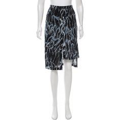 Pre-owned Halston Heritage Printed Knee-Length Skirt ($65) ❤ liked on Polyvore featuring skirts, blue, blue skirt, white skirt, blue knee length skirt, patterned skirts and knee length skirts