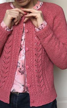 Ladies Cardigan Knitting Patterns, Knit Cardigan Pattern, Knitting Stitches, Knitting Patterns Free, Knit Patterns, Free Pattern, Knit Picks, Knit Crochet, Crochet Cats