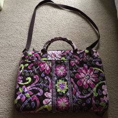 """Vera Bradley Laptop Portfolio Vera Bradley Laptop Portfolio In Purple Punch... Can Hold Up To A 17"""" Laptop... Plenty Of Room In The Front And Back Pockets To Hold Items. *Missing Velcro Bar!!* Excellent Preowned Condition!! Vera Bradley Accessories Laptop Cases"""