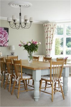 55 Super Ideas Kitchen Table And Chairs Painted Farrow Ball Kitchen Paint, New Kitchen, Kitchen Ideas, Rustic Kitchen, Country Kitchen, Garden Table And Chairs, Country Dining Rooms, Dining Room Lighting, Kitchen Lighting