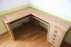 """Ce bureau est composé de deux éléments pouvant être joint pour former un ensemble en """"L"""". Il comprend le bureau principal (120 x 60 cm) et un [meuble à tiroirs](http://www.lairdubois.fr/creations/1237-petit-meuble-a-tiroirs-1.html)..."""