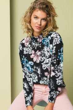bd6f8a55223c Bluse Juliet Peony Black fra Floyd by Smith