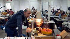 Checking a girdle with Cem during the Faceting Academy Basic Training event.