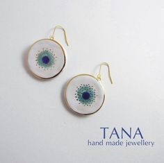 Ceramic earrings white blue turquoise and gold. Boucles por Tanaart