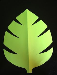 Cut out some giant leaves in different shades of green and add them to the jungle, safari, zoo, or monkey classroom themes! Cut a few huge …, # sheets the # jungle # greens # various Deco Jungle, Jungle Safari, Safari Party, Jungle Theme Classroom, Classroom Themes, Rainforest Classroom, Jungle Bulletin Boards, Rainforest Preschool, Classroom Cubbies