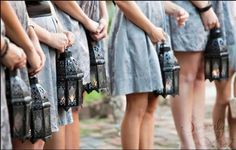 Bridesmaids not carrying bouquets? - Weddingbee