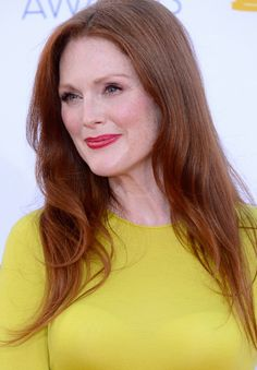Miva (Julianne Moore) is a Calafan and works as an obstetrician.
