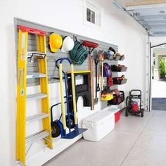 Garage Makeover - Garage organization - Slat wall