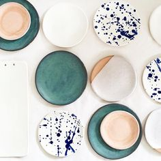 We are obsessed with ceramic plates. Check out her mugs, too! ANNA EAVES - Decoration for House Ceramic Plates, Ceramic Pottery, Ceramic Art, Ceramic Design, Deco Design, Home Deco, Kitchenware, Dinnerware, Bowls