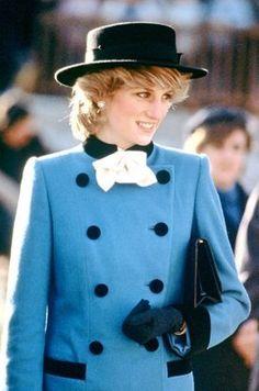 Royal Style - Lady Diana wore hats so well Source by m_panova. Princess Diana Wedding, Princess Diana Fashion, Princess Diana Pictures, Real Princess, Princess Kate, Lady Diana Spencer, Style Royal, Paris Match, Diane