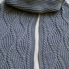 Brioche and Traveling Cable Knitting Scarf Pattern  #knit