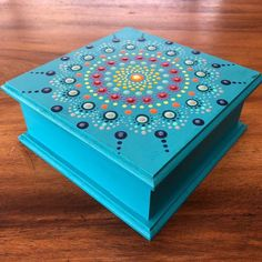 Painted Wooden Boxes, Dot Painting, Mandala Art, Diy Projects To Try, Decorative Boxes, Dots, Home Decor, Handmade Boxes, Pointillism