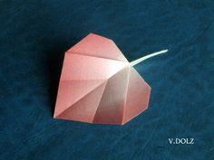 Neorigami is a blog and gallery for origami models. Creators can present their models, along with the diagrams and CP. Creators can also write articles of interest for the origami community.  Neorigami es un blog y galería para modelos de origami. Los creadores pueden presentar sus modelos, además de diagramas y CP. Los creadores pueden también redactar artículos de interés para la comunidad origamística.
