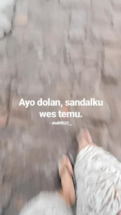 Quotes Lucu, Jokes Quotes, Qoutes, Funny Quotes, Memes, Quotes Lockscreen, Cute Couple Wallpaper, Postive Quotes, Cartoon Jokes