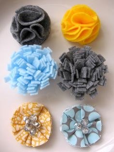 My Blonde Ambitions: fabric flowers. A whole slew of fabric flower DIYs
