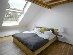chambre sous comble de design minimaliste
