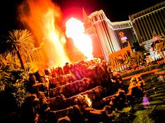 20 Free Attractions in Vegas for the whole family via Huffington Post | It Started in LA | www.itstartedinla.com