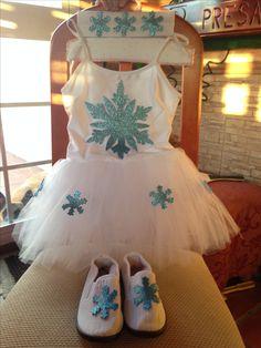 Accede a este post y descubre todas las ideas para hacerte un disfraz de Anna, Elsa u Olaf. Existen versiones que seguro no conocías. #halloween #Frozen #disfraz #costume