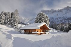 Romantic mountain hut with a lot of snow in Val Gardena www. Rent A Villa, Home Alabama, Chalet Style, Hiding Places, Cabins And Cottages, Italy Vacation, Winter Scenes, Estate Homes, Hygge