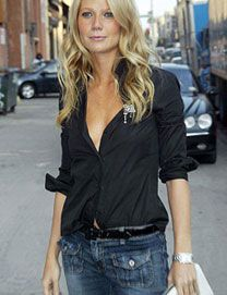 Gwyneth - love the simple black top with her hair down. So pretty!