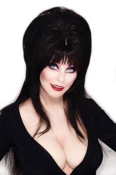 Dynamite Teams Up With Elvira — Comic Bastards Elvira Makeup, Heavy Metal, Monster Horror Movies, Elvira Movies, Cassandra Peterson, Funny Horror, Dark Pictures, Gothic Dolls, Famous Movies