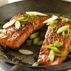 Frugal Food Items - How To Prepare Dinner And Luxuriate In Delightful Meals Without Having Shelling Out A Fortune Lachs Mit Honig Und Balsamessig - Smarter - Kalorien: 290 Kcal - Zeit: 30 Min. Http:Eatsmarter. Baked Salmon Recipes, Fish Recipes, Seafood Recipes, Healthy Recipes, Tapas, Good Food, Yummy Food, Glazed Salmon, Honey Salmon