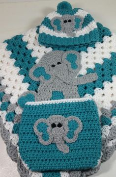 Elephant Baby Blanket, Elephant Applique, Elephant Theme, Baby Blanket Crochet, Baby Blankets, Crochet Baby, Baby Gift Sets, Baby Gifts, Crochet Panda