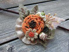"""Броши ручной работы. Ярмарка Мастеров - ручная работа. Купить Брошь бохо """"Огонёк"""". Handmade. Рыжий, брошь из ткани, бусины Shabby Chic Flowers, Lace Flowers, Felt Flowers, Fabric Flowers, Fabric Beads, Fabric Art, Fabric Crafts, Sewing Crafts, Textile Jewelry"""