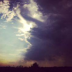 Rain clouds descend over #London  23°C | 73°F #BurberryWeather