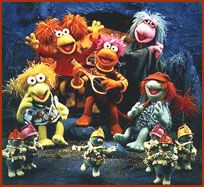 The show featured Fraggles and Doozers living together in harmony at Fraggle Rock – trying to avoid the wrath of the Gorgs - with the help of Marjory, the all-knowing, all-seeing trash heap. Jim Henson, Good Old Times, The Good Old Days, Emission Tv, Rock Quotes, Movies And Series, Tv Series, Fraggle Rock, Tinkerbell