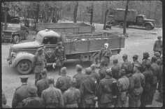 Проводы погибших товарищей. Восточная Германия. Апрель, 1945 год