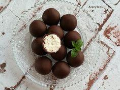 AranyTepsi: Egyszerű túrópötty My Recipes, Sweet Recipes, Cookie Recipes, Dessert Recipes, Hungarian Desserts, Hungarian Recipes, Recipes From Heaven, Chocolate Recipes, Easy Desserts