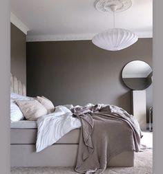 Dream Bedroom, Home Bedroom, Decor Room, Bedroom Decor, House Of Philia, William Morris Wallpaper, Home Interior, Interior Design, Decorating Small Spaces