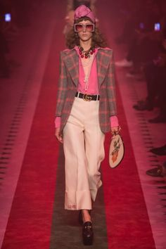Gucci Spring 2017 runway Show