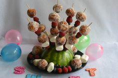 Celebration Treats 4U: Minimunkit suolakaramellitäytteellä Cinnamon Rolls, Donuts, Celebration, Cupcakes, Treats, Breakfast, Food, Frost Donuts, Sweet Like Candy