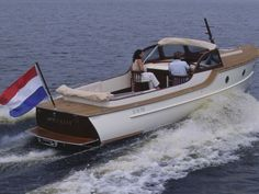 The official Rapsody Yachts website. Rapsody Yachts sells Dutch built luxurious motoryacht motorboats tenders and dayboats with retro vintage lines and modern technology Cool Boats, Small Boats, Speed Boats, Power Boats, Trawler Yacht, Lobster Boat, Deck Boat, Yacht For Sale, Sport Fishing