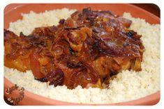 Tajine de veau, oignons, miel, safran au RÖMERTOPF Barbecue Grill, Clay Pots, Cooking Recipes, Food, Honey, Meat, Onions, Pork Ribs, Recipies