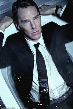 Cumberbatch might just be the finest actor working today and his portrayal of Patrick Melrose proves it. Sherlock Bbc, Benedict Cumberbatch Sherlock, Sherlock Kiss, Sherlock Fandom, Watson Sherlock, Jim Moriarty, Sherlock Quotes, Martin Freeman, Benedict And Martin