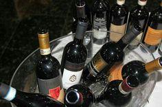 Chaves Oliveira Wines na Feira de Vinhos do Varejão Tatu em Americana - SP. Foram degustados com sucesso os seguintes vinhos: - Chianti Badiolo 2015 - Nero D'Avola Tola 2015 - Piemonte Rosso Passo del Bricco 2013 - Barbera D'Asti Patrizi 2013 - Negroamaro Tacco Barocco  - Salento Rosso Ambasciatori  (Negroamaro e Malvasia Nera) - Rosso Toscano Zipolino  - Primitivo di Manduria Byzantium  www.chavesoliveira.com.br / ( 11 ) 2155 0871 - sgrael@chavesoliveira.com.br