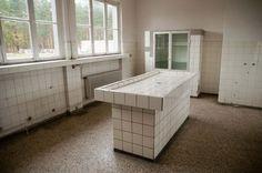 Un recuerdo para no olvidar a los que sufrieron y murieron allí. #Sachsenhausen #CamposDeConcentración www.dosmaletas.com