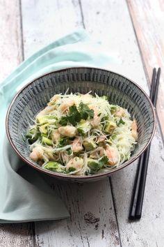 """750g vous propose la recette """"Salade de vermicelles de riz, crevettes et avocat""""…"""