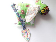 doudou âne , peluche âne calin, jouet forme âne en tissu coton vert imprimé chat et éponge velours : Jeux, peluches, doudous par doudous-mad-in-toudou