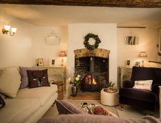 54 Cozy Fireplace Decor for Cottage Living Room Interior Design Cottage Living Rooms, My Living Room, Living Room Decor, Interior Design Living Room, Living Room Designs, Room Interior, Salons Cottage, Cottage Breaks, Snug Room