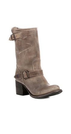 Steve Madden Freebird Boulder Boot in Stone at www.shopblueeyedgirl.com