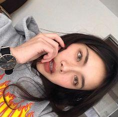 #EyeMakeupForGlasses Pretty Asian Girl, Cute Korean Girl, Asian Makeup, Korean Makeup, Pretty Makeup, Makeup Looks, Beauty Makeup, Hair Makeup, Everyday Make Up
