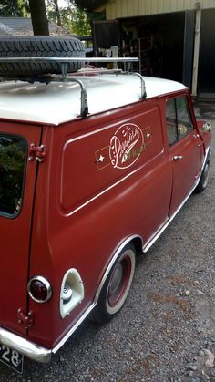 """Figure out more information on """"mini vans"""". Look at our web site. Mini Cooper Classic, Classic Mini, Vans Classic, Minis, Austin Mini, Mini Clubman, Mini Coopers, Honda Odyssey, Cabriolet"""