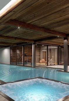 Piscina de fibra coberta com espaço dedicado à hidro massagem Swimming Pools, House, Outdoor Decor, Home Decor, Inside Pool, Screened Pool, Wood Deck Railing, Benefit Brow, Small Living Spaces