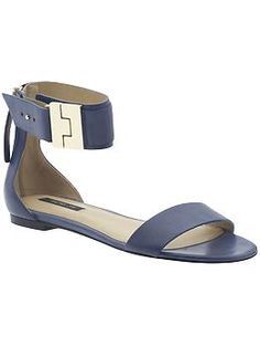 I was so skeptical of Rachel Zoe as a designer originally, but I love SO much of her stuff. Exhibit A, these shoes.